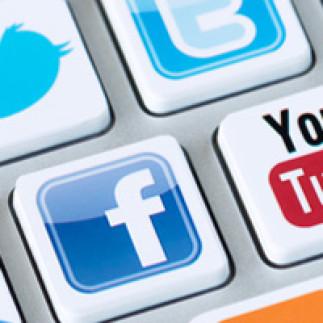 Enseigner à l'ère des médias sociaux : les avantages et les enjeux