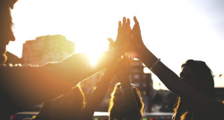 Le religieux et le social : contradiction ou tautologie?