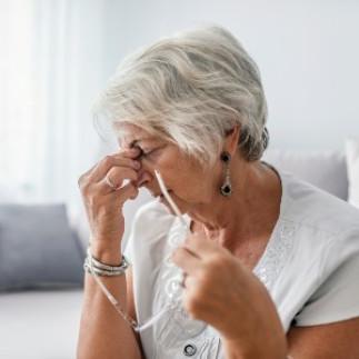 La douleur chronique chez les aînés : inévitable?